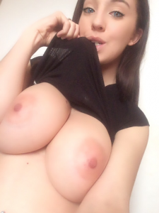 MARTINA FINOCCHIO HAS GIANT BOOBS TO SHOW OFF!