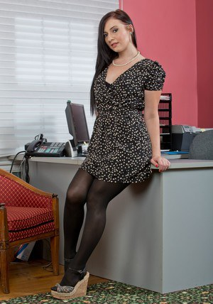 Fuckable brunette babe on high heels Ashli Orion stripping in the office