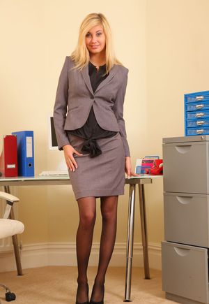 Blonde secretary Barka makes her nude modeling debut at her office desk