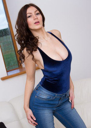 Hot female Summer St Claire bares her nice boobs in tight denim jeans