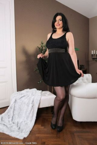 Sandra nero busty darkhaired milf in black stockings strips