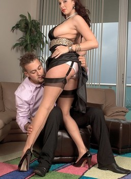 Gianna Rossi in stockings gets her cunt drilled by a big raging boner