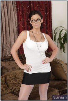 Housewife 1 on 1 Phoenix Marie