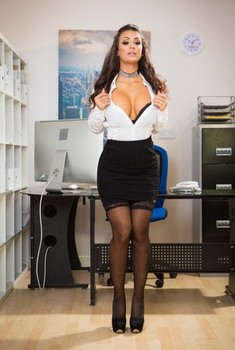 Slutty Spanish brunette Susy Gala shows her curvy body in the office