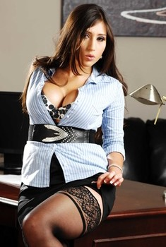 Breathtaking secretary Alexis Breeze remains just in stockings in office
