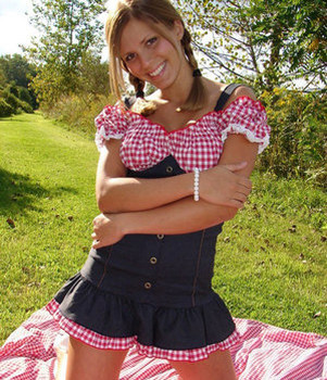 Smiley amateur teen Karen gets down and naughty at the picnic