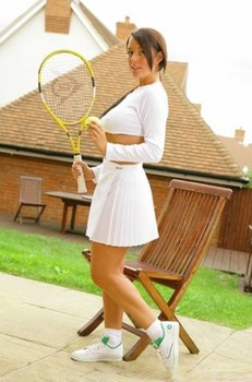 Stunning British babe Lindsey Strutt plays tennis before baring her ripe tits