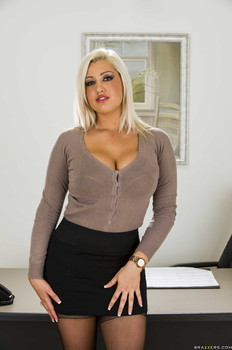 Big Tits At Work Dayna Vendetta