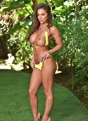 Solo model Abigail Mac frees her big tits from bikini out on the lawn in heels