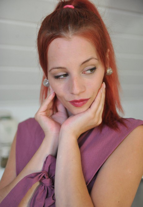 Beautiful redhead Ariel flashes panty upskirt at the sink & soaps her hot ass