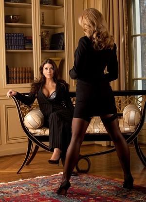 Sultry MILF models Jamie Lynn & Vanessa Wade enjoy mutual big tits worship