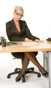 Magical office babe Lucynova strips to her stockings while taking on the phone