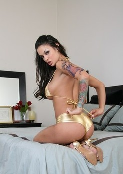 Tatted Latina chick Angelina Valentine shows off her twat with manicured nails