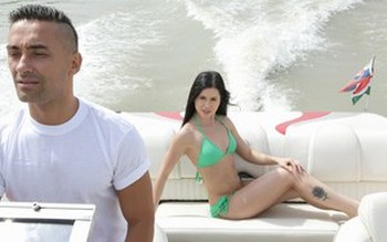 Dark haired chick Cassie Right goes ass to mouth on a speedboat