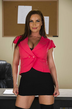 Sexy secretary Diamond Foxxx does a naughty striptease in her office