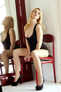 Natural Hungarian beauty Melanie Taylor strips and poses