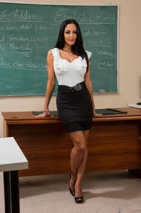 Tempting sex teacher Ava Addams strips and shows her curvy body at school