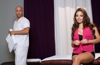 Brunette babe Yurizan Beltran gets a pussy licking & fucks her hung masseur